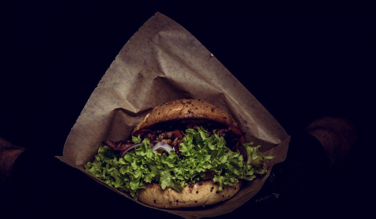 Images d'un burger de Daily Coffee Shop